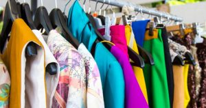 how to identify branded clothes
