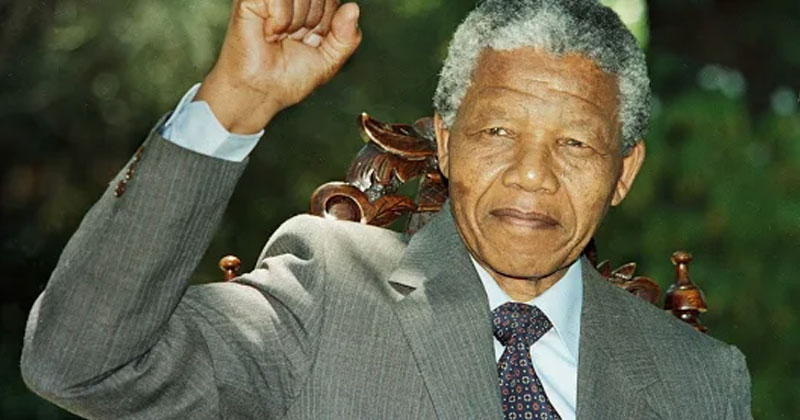 nelson mandela biography in hindi