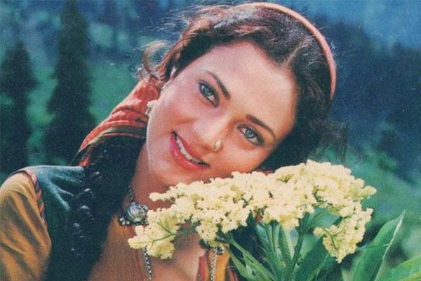 Mandakini-Bollywood stars ruined who their career overnight