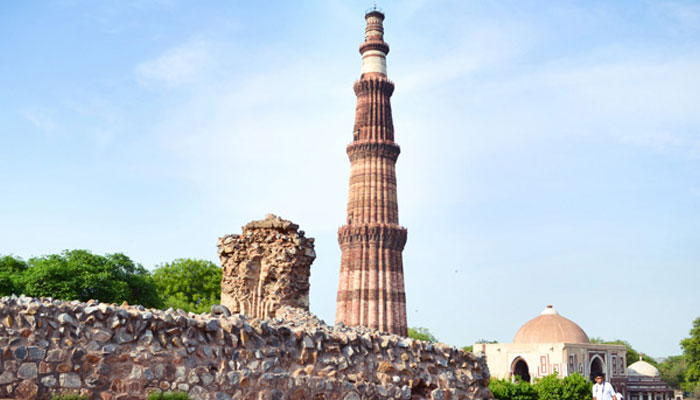 qutub minar history in hindi
