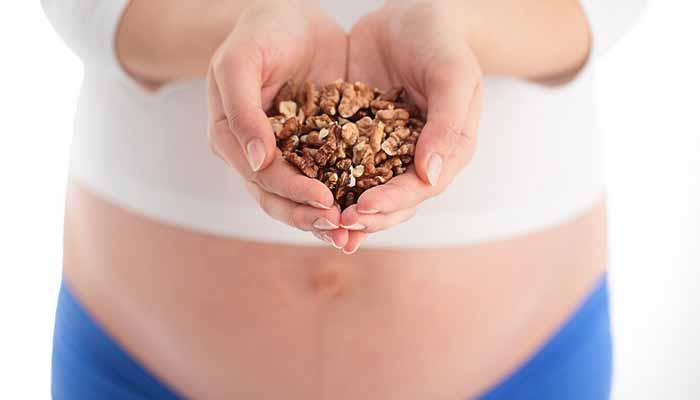 akhrot for pregnancy