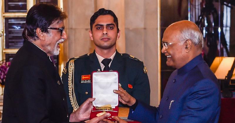 amitabh bachchan received dada saheb phalke award