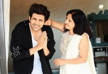kartik aaryan reveals his mom cried watching him kiss onscreen