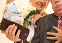Bride Charges Entrance Fee From Guests For Her Wedding Expenses