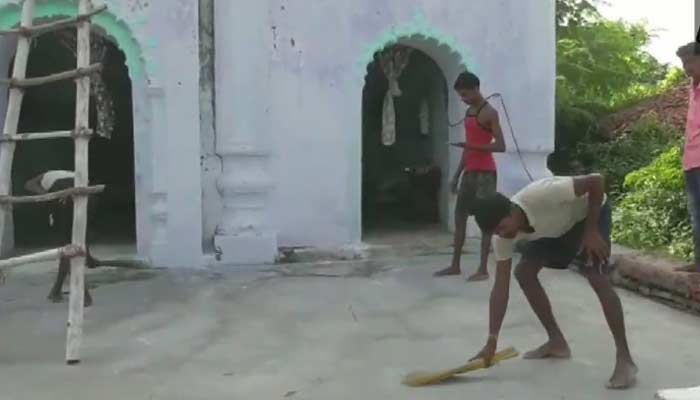 hindu man who takes care of mosque nalanda bihar
