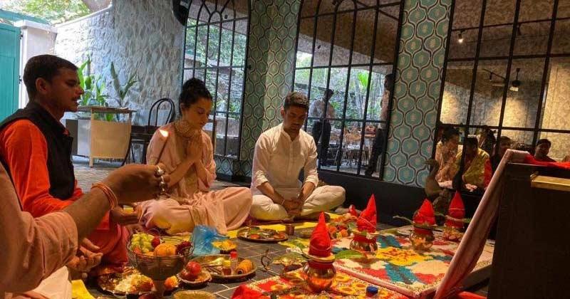 kangana inaugurates her production house manikarnika films mumbai