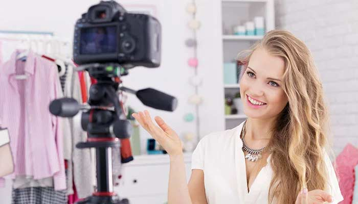 vlogging se paise paise kamaye