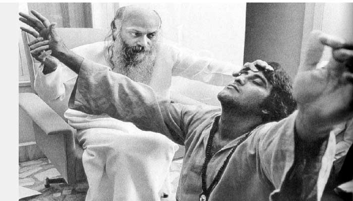 guru osho with vinod khanna