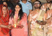 sara ali khan with amrita singh varanasi ganga aarti