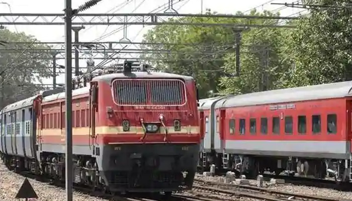 Railways to Find Ways to Deal with Advance Booking of Tickets