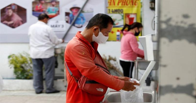 lockdown free rice vietnam help needy