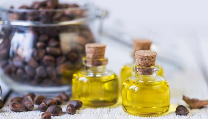 Castor Oil- Tips for Dark Underarms In Hindi