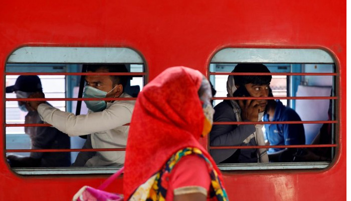 government will pay train fare for labourers