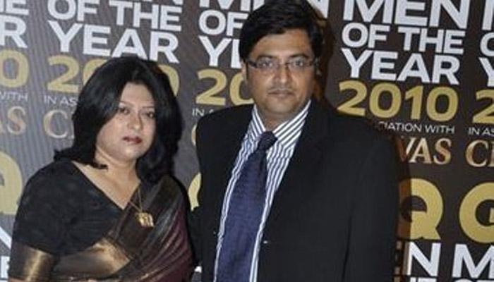 Arnab goswami with wife