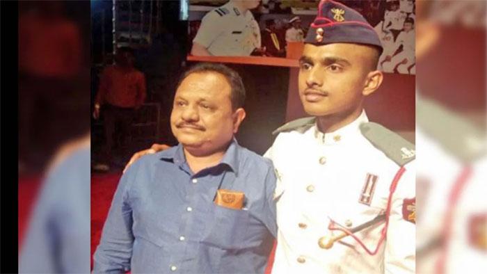 Dhawan Sarthak son of a auto driver