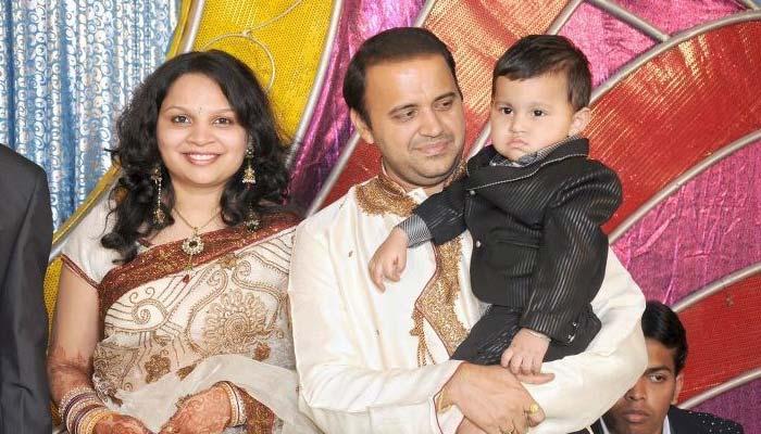 Mandar Chandwadkar Bidhe Master real family