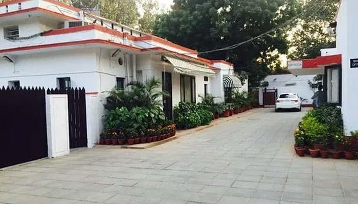 Priyanka Gandhi Lutyens Bungalow Rent