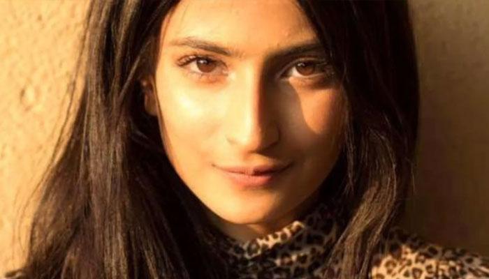 Shweta Tiwari Daughter Palak Tiwari in Bollywood Debut