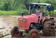 salman khan farming in rain video viral