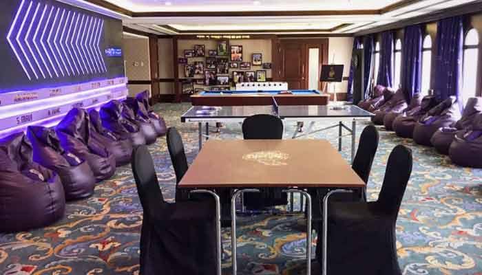 IPL 2020 Hotel For Team Photos On Social Media