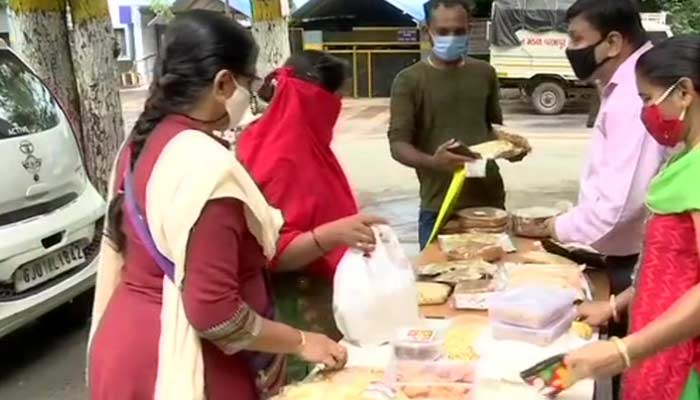 Ashwin, & his wife Geeta have started selling home-made savoury snacks