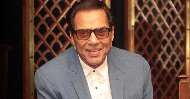 Dharmendra Share Inside House Video
