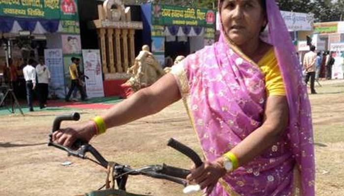 JP Nadda Meet Rajkumari Devi