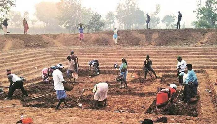 MGNREGA Workers Find Silver And Cronze Coins