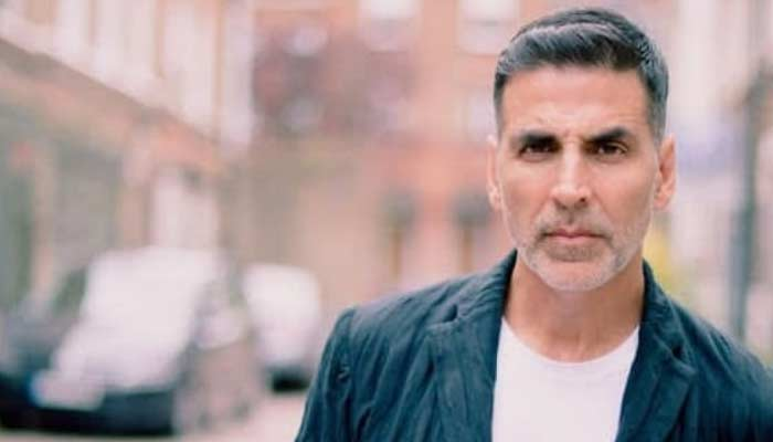 New Look Of Akshay Kumar In Bell Bottom