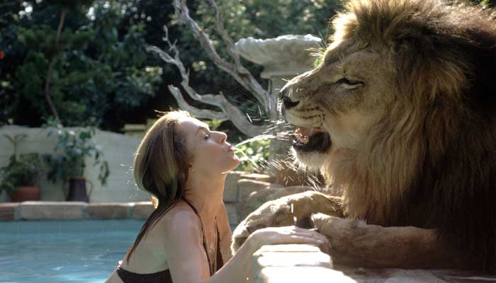 Tippi hedren With Lion -Unusual Family Pets