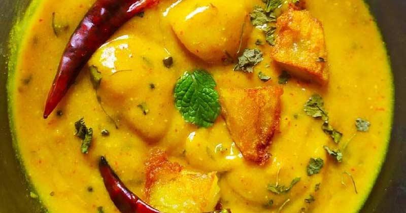 Aloow Ki Kadhi Recipe