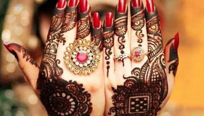 Karwa Chauth Mehndi For Married Women