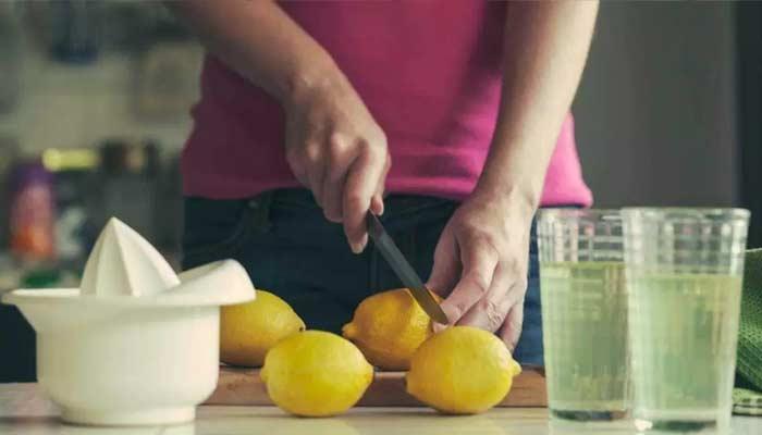 Lemon Juice With Black Salt For Weight Loss