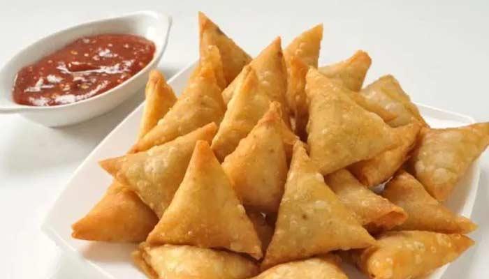 Singhare Ke Atte Ka Samosa Recipe In Hindi