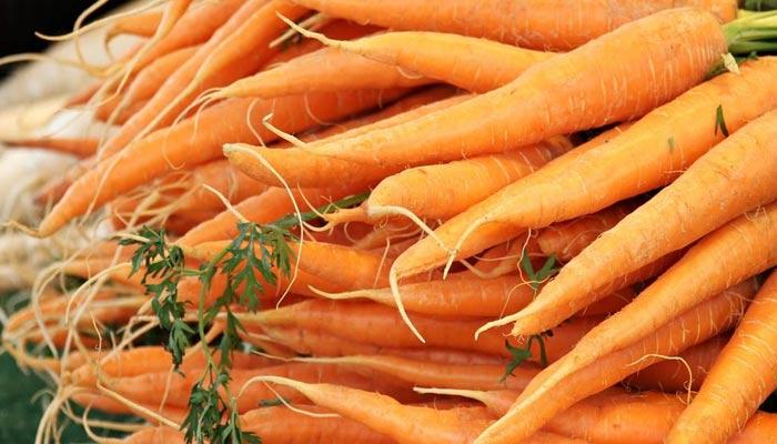 Carrot Effective in Cancer - Gajar Ke Fayde