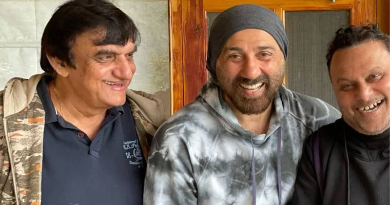 Sunny Deol Drops A Reunion Pic With 'Gadar' Director