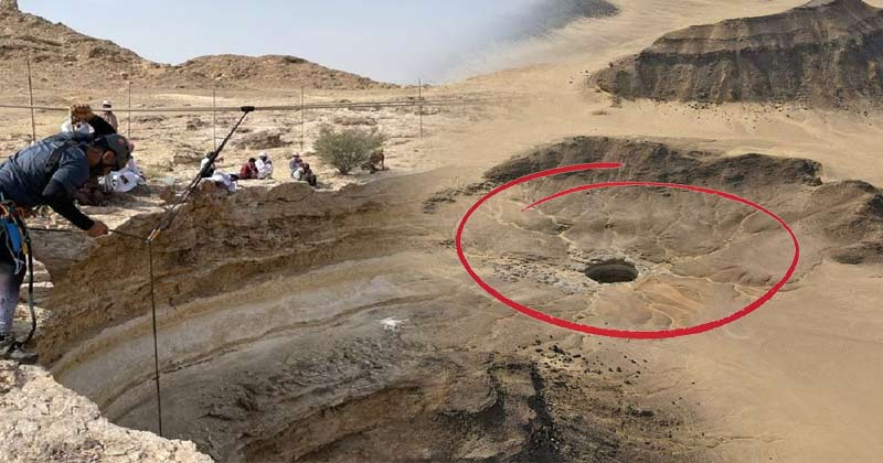 Cavers find snakes but no genies in Yemen's 'Well of Hell In Hindi